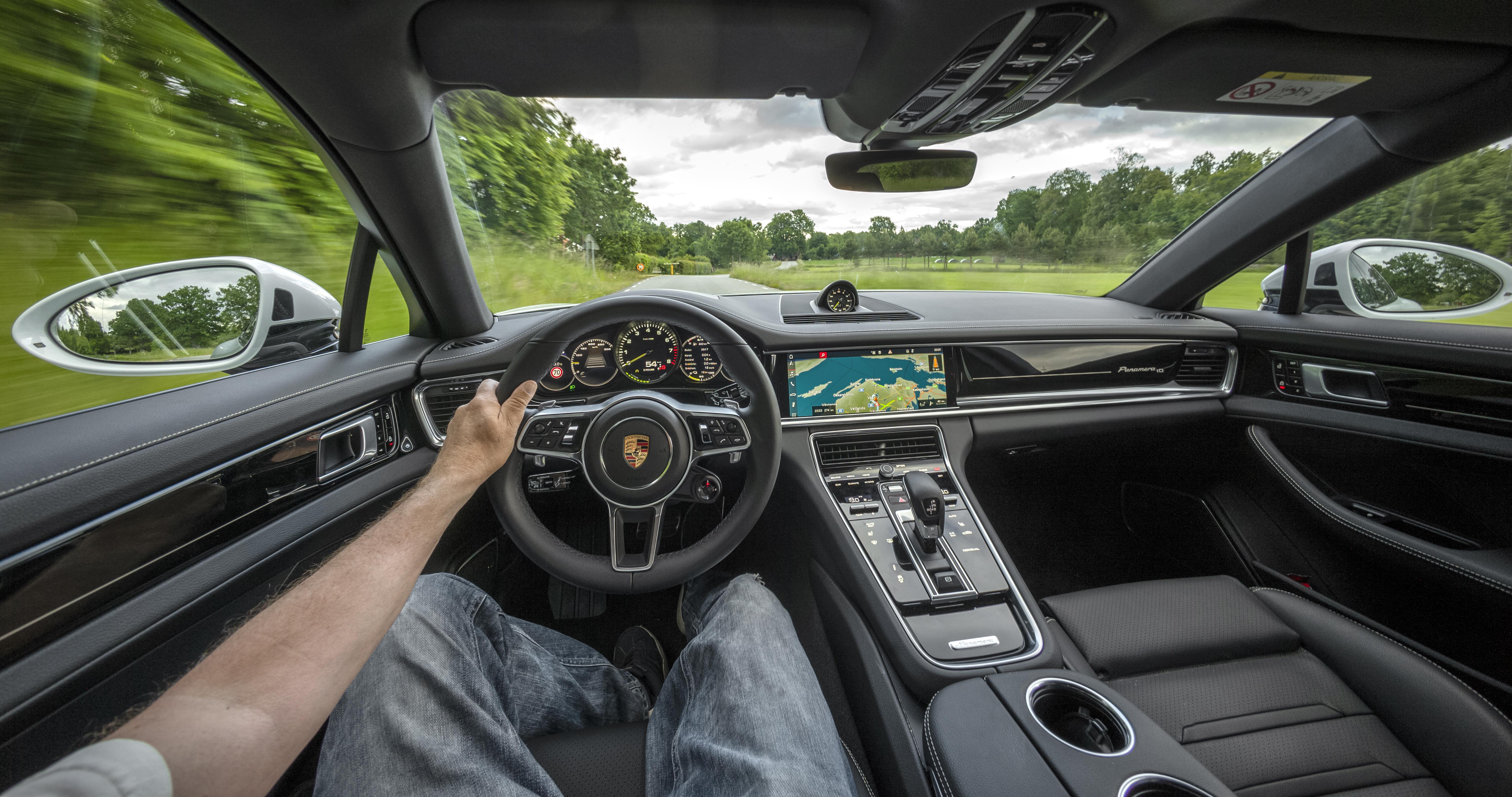 SN Porsche Panamera 8