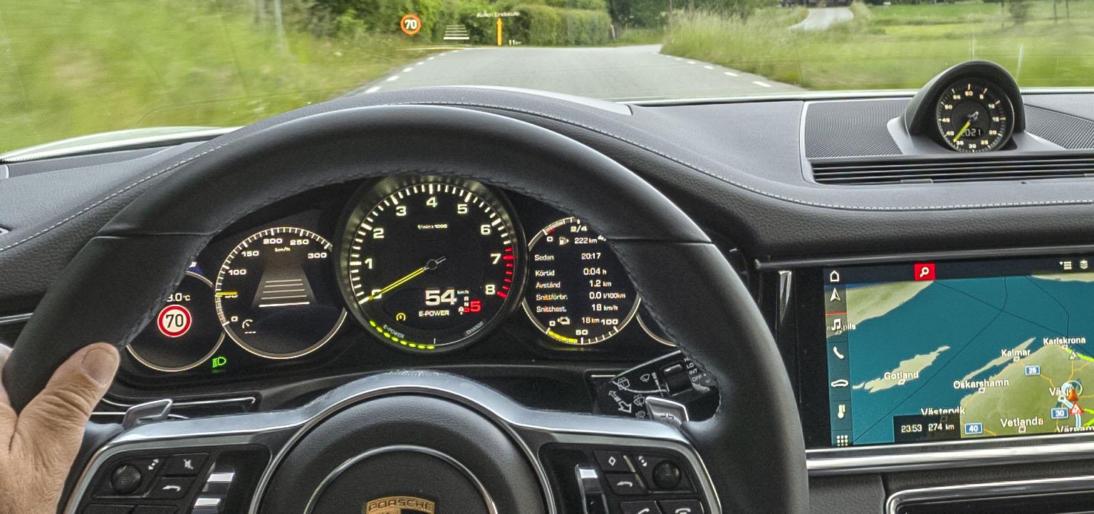 smSN Porsche Panamera 8,2